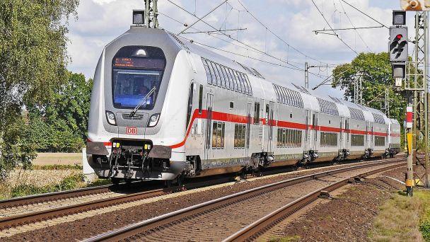 Oznam o výlukách na trati Bratislava - Komárno v mesiaci október