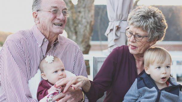 Pomoc pre starších spoluobčanov