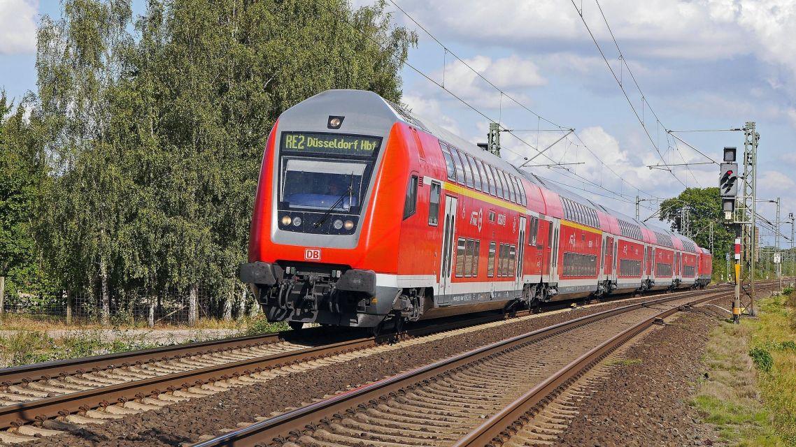 Oznam  o výlukách osobnej vlakovej dopravy